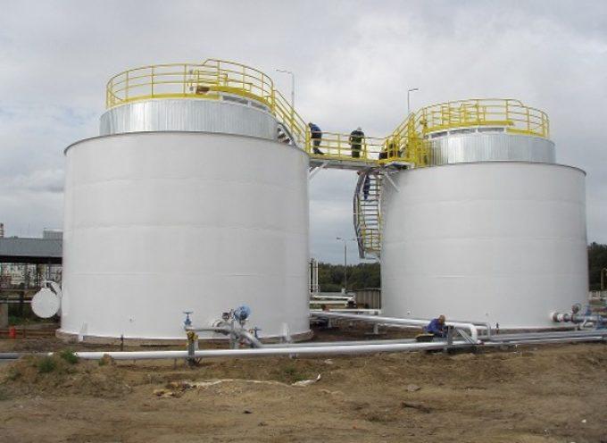 Zbiorniki na bazie pobudowane, teraz czas na bocznicę