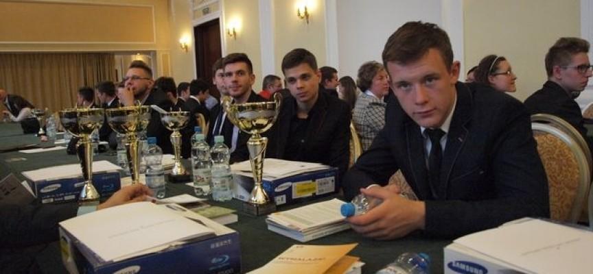 Olimpijski sukces uczniów szkoły ZAPowskiej