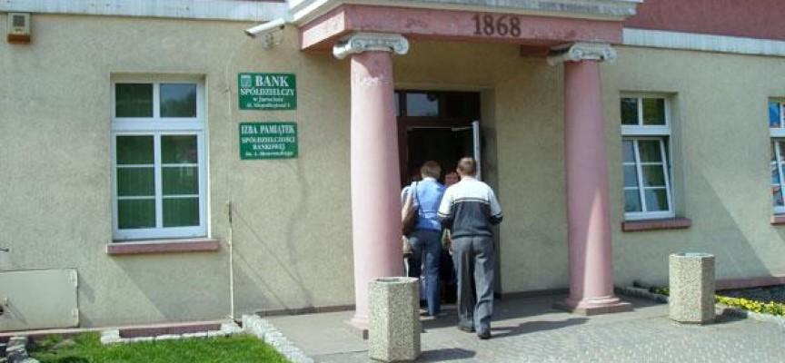 Kasjerka banku miała przywłaszczyć sobie 28 tysięcy