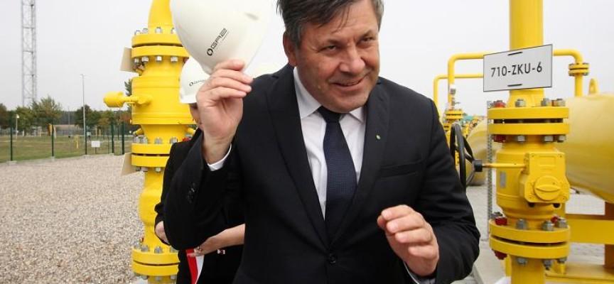 """Wicepremier Piechociński """"otworzył"""" gazociąg"""