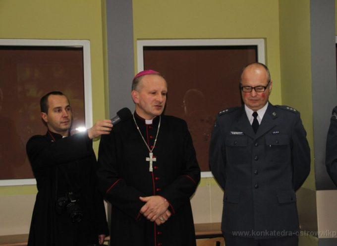 Biskup z życzeniami u aresztantów
