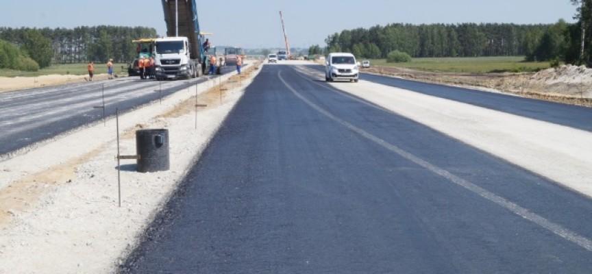 Widać pierwszy asfalt na obwodnicy Ostrowa