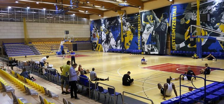 Mistrzowie pokonali BM Slam Stal Ostrów