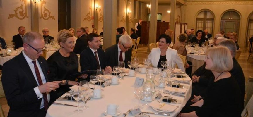 Luksusowa kolacja Pani Prezydent za publiczne pieniądze