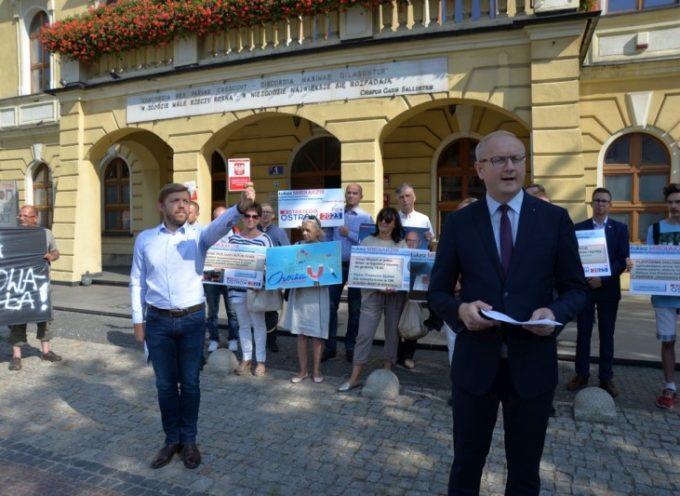 Zdenerwowany kandydat/senator Mikołajczyk
