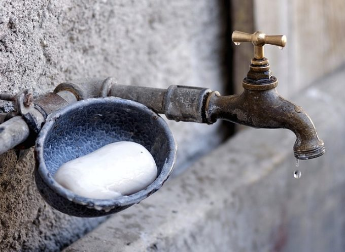 Nie wolno pić, ale myć się można