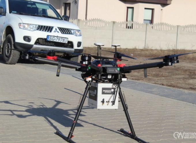Lata dron, tropi palone śmieci