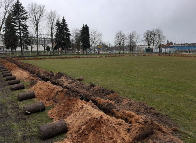 W Nowych Skalmierzycach trawa bardziej zielona