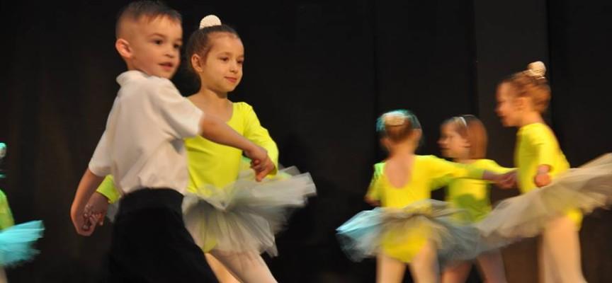 Tancerki i jeden rodzynek