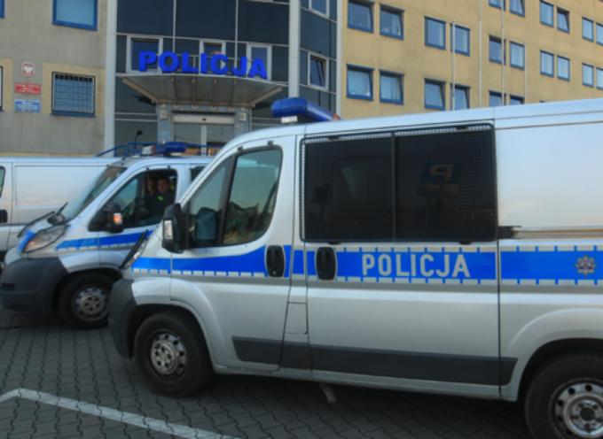Policjanci mieli torturować – zarzuty jak za udział w  grupie przestępczej?
