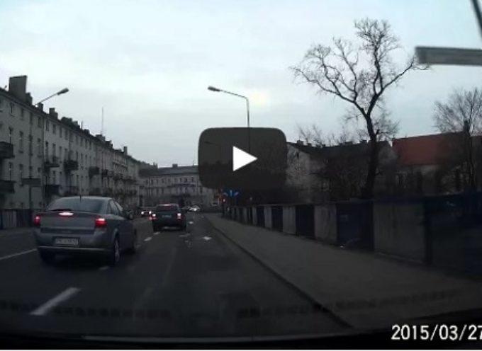 Awantura w mediach – nagranie pirata drogowego w sieci