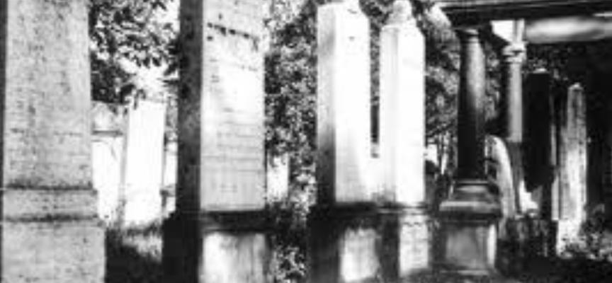 Co z cmentarzami 1.XI?