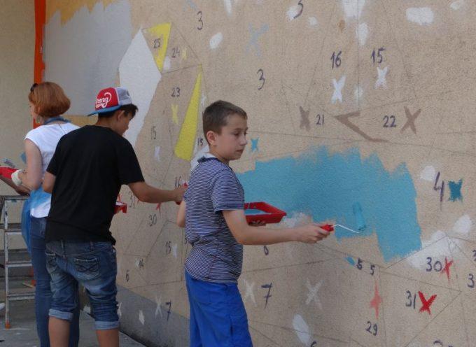 Dulux pomalował szkołę