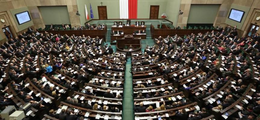 Odprawy dla posłów – blisko 30 tysięcy złotych