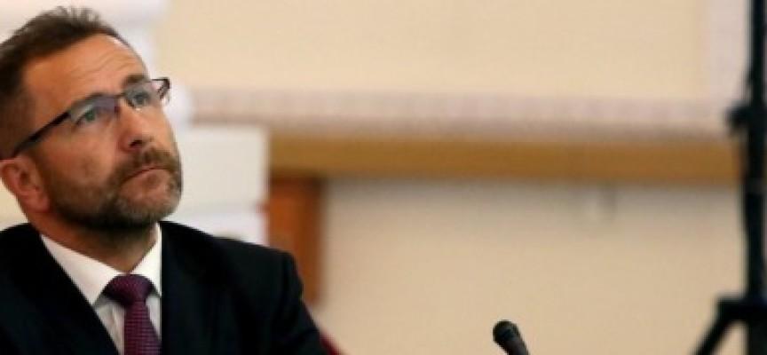 Prokurator z Ostrowa z mafijnym wyrokiem śmierci chce być Prokuratorem Generalnym