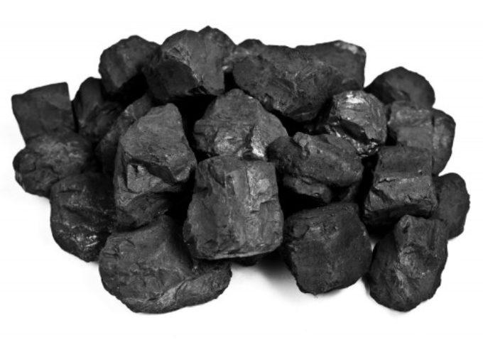 Podopieczni MOPS otrzymują węgiel zamiast pieniędzy