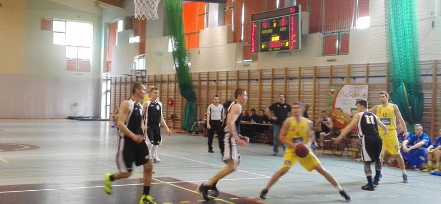 Stalówka awansowała do finału o II ligę