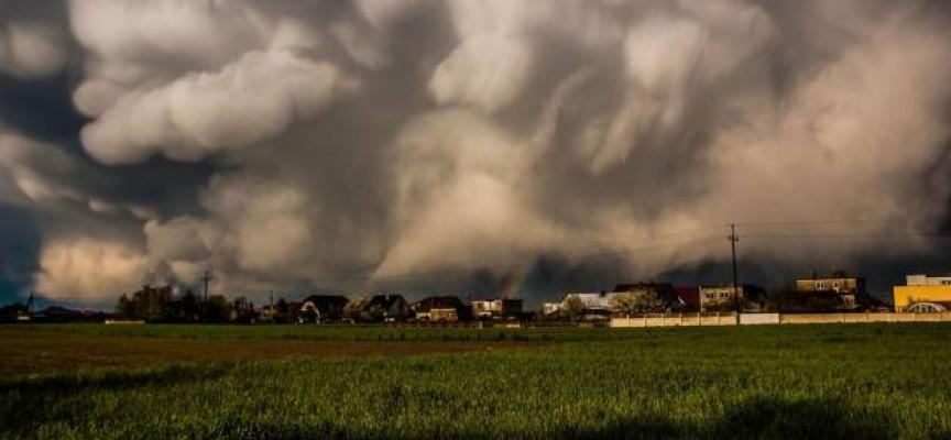 """""""Złowione"""" aparatem chmury w National Geographic"""