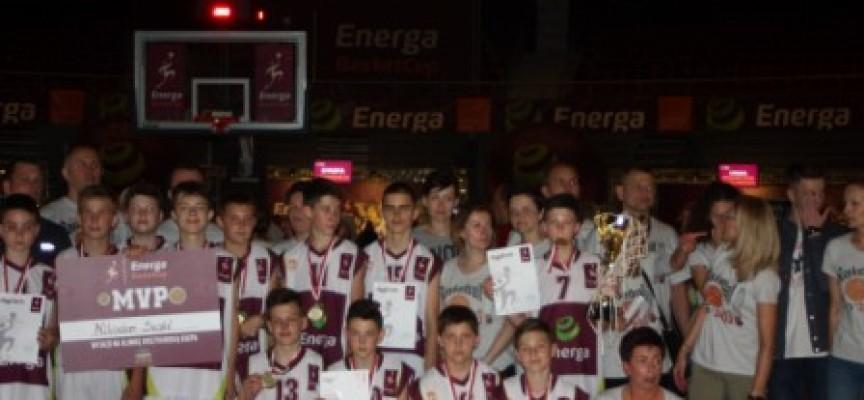 """Mistrzowie Energa Cup z ostrowskiej """"piątki"""""""