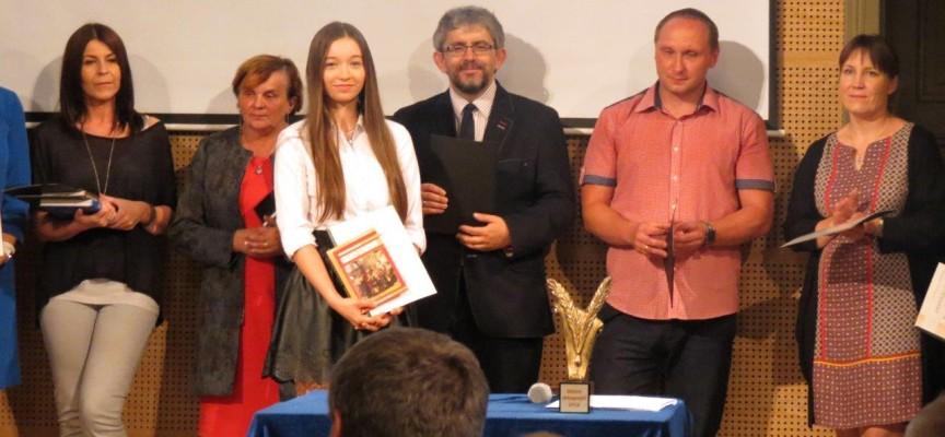 Julia Banasiak – mistrzem ortografii 2016