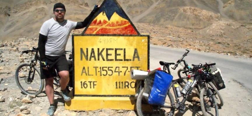 Objechał Himalaje na … rowerze