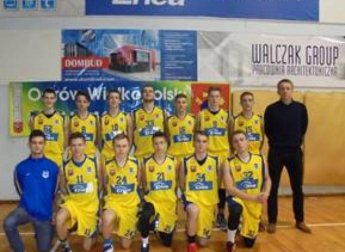 Junior KS Stal  wygrywa z UKS KAsprowiczanką