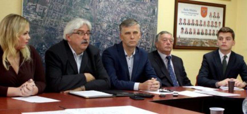 Radni odpierają nie- i półprawdy Prezydent B.Klimek