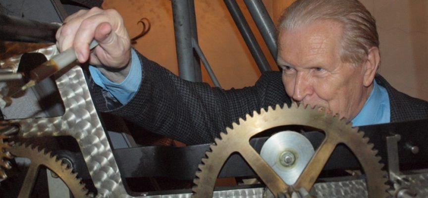 Stanęły zegary – uczciły wybitnego ostrowianina prof. Zdzisława Mrugalskiego