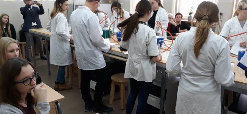 Profesjonalna pracownia chemiczna w II LO