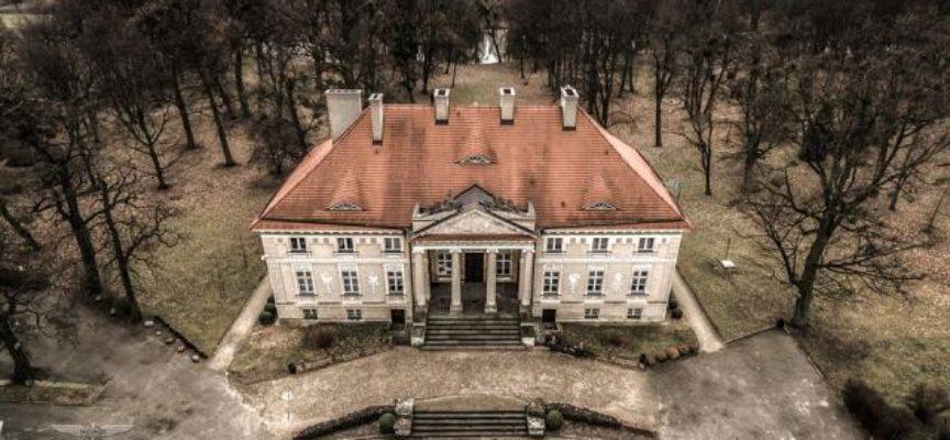 Powiat coraz bliższy modernizacji Pałacu w Lewkowie