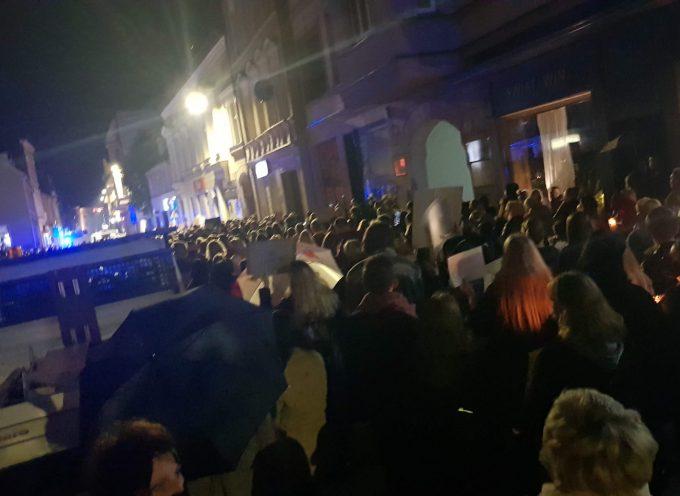 """Kolejny dzień protestów przeciw """"wyrokowi"""" trybunału Przyłębskiej"""