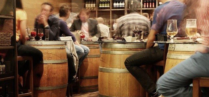 Ograniczenia w sprzedaży alkoholu na stacjach paliw. Pomysł wraca.