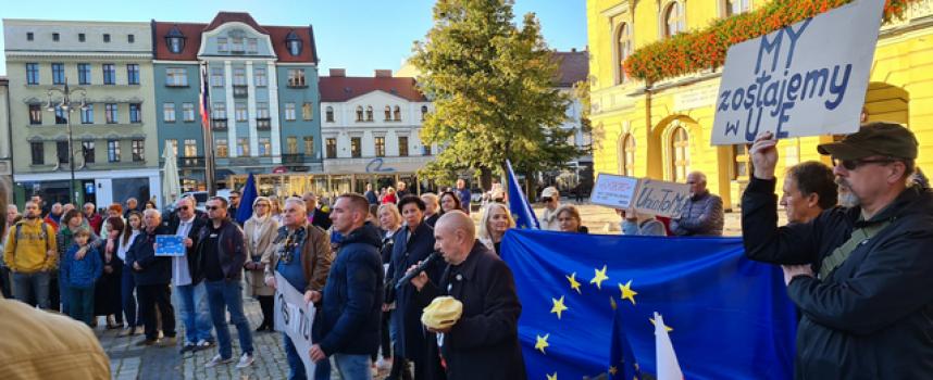 Ostrowianie chcą zostać w Unii
